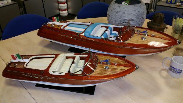 Zeer speciale actie Riva modelboten 66 of 87 cm